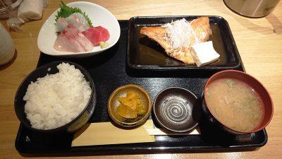 本日の日替わり刺身と煮魚定食|けいの家